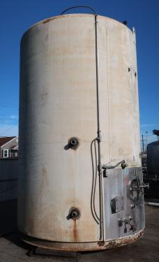 Tank 6000 gallon vertical tank, Stainless Steel Contact Parts, Refrigeration jacket, slope bottom