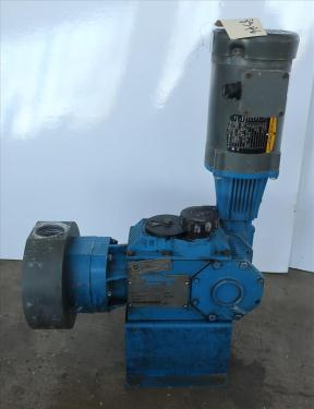 Pump Pulsatron diaphragm metering pump, poly
