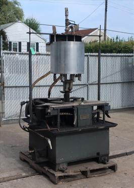 Filler 8 valve Biner-Ellison liquid gravity filler model F8AC-3443, 6.25 centers, up to 80 cpm