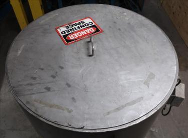 Tank 350 gallon vertical tank, Stainless Steel, flat