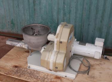 Feeder 1.5 K-Tron screw feeder 316 SS